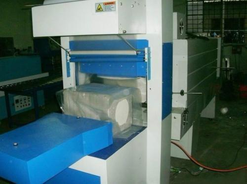 北方保温板包装机